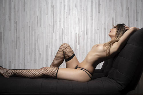 serena masseuse naturiste a paris- KRS3108 copie
