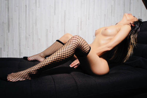 serena masseuse naturiste a paris- KRS3118 copie
